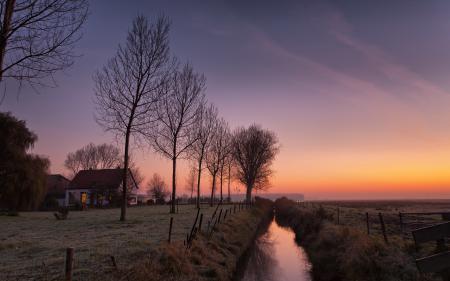 Фото закат, поле, дом