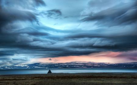 Фото The Weather Station, Iceland, Europe, north atlantic