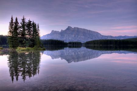 Картинки гора, вода, озеро, камни