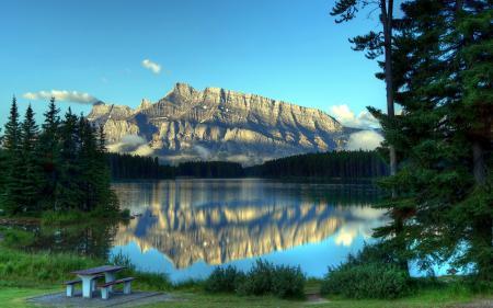 Картинки озеро, горы, скамья, пейзаж