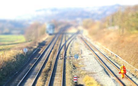 Фото tilt-shift, железная дорога, рельсы, знаки