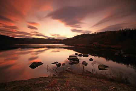 Обои озеро, камни, пейзаж