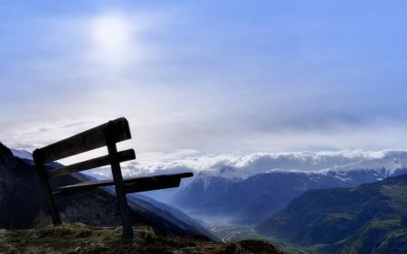 Фото пейзаж, скамья, горы, солнце