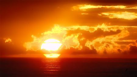 Обои солнце, закат, океан, вода