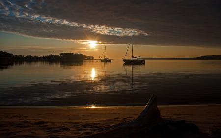 Обои вода, море, яхты, солнце