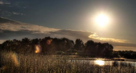 Обои закат, река, солнце, пейзаж