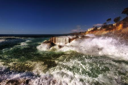 Фото море, брызги, камни, побережье