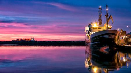 Фото корабль, море, вода, закат