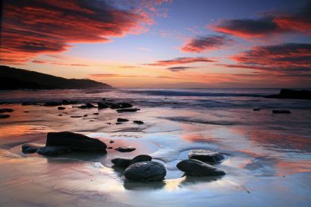 Обои море, пляж, берег, камни