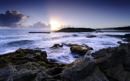 Обои море, камни, небо, пейзаж