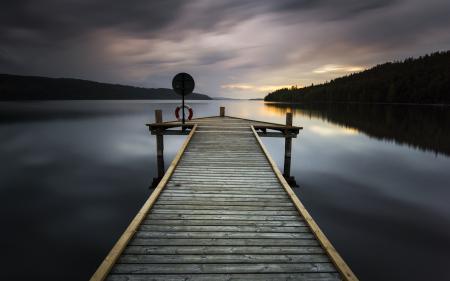 Обои озеро, мост, ночь, пейзаж