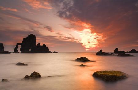Заставки небо, море, камни, скалы