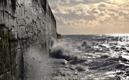 Фото море, небо, стена, волны