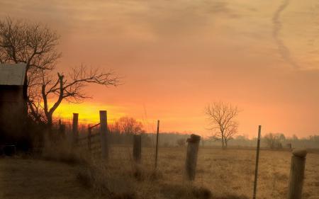 Фото закат, забор, дом, пейзаж