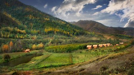 Картинки Горный Алтай, Онгудай, Турбаза Янтарный сад, река Большая Ильгумень