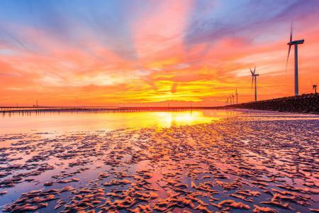 Фото море, закат, ветряки, пейзаж