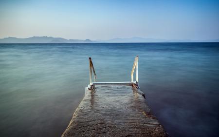 Обои море, небо, перила, пейзаж