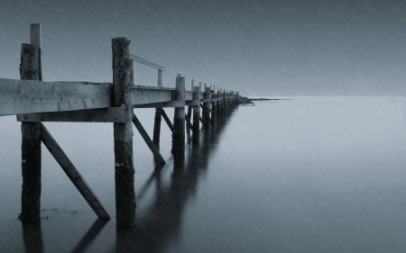 Обои мост, озеро, дождь, пейзаж