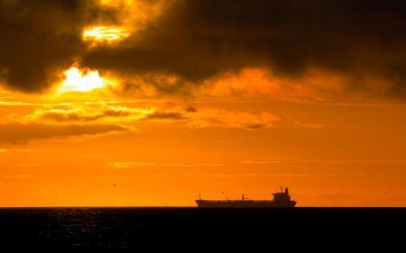 Заставки закат, море, рыболовецкое судно