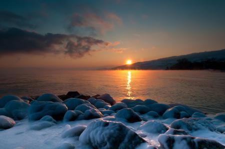 Заставки озеро, зима, лёд, камни