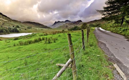Картинки дорога, поле, забор, пейзаж
