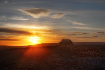 Обои закат, дом, пустыня
