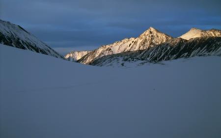 Фото зима, снег, горы, свет