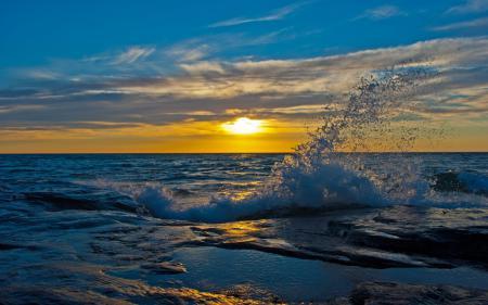 Картинки пейзаж, море, волны, брызги