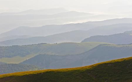 Фото Большой Тхач, холмы, туман