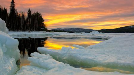 Фото озеро, лёд, небо, лес