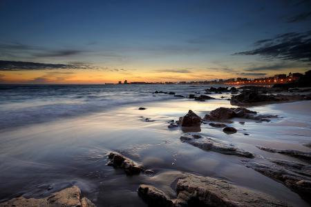 Фото море, пляж, камни, вечер