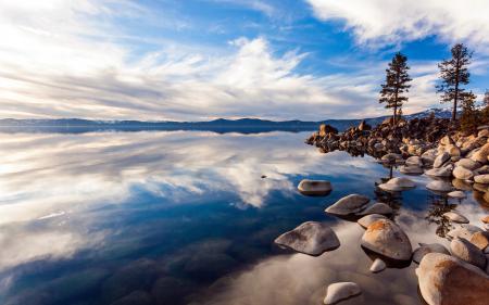Фото озеро, камни, небо, пейзаж