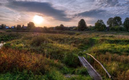 Обои закат, поле, мост, пейзаж