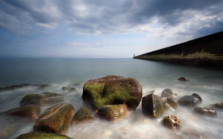 Картинки море, стена, камни, мох