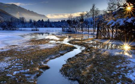 Обои поле, горы, забор, природа
