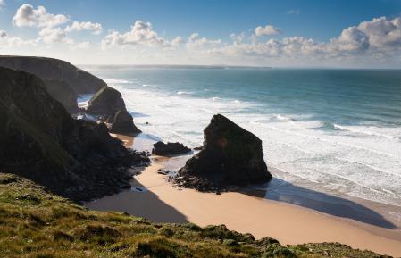 Картинки море, прибой, скалы. берег, облака