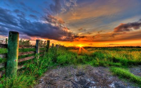 Заставки закат, забор, поле, пейзаж
