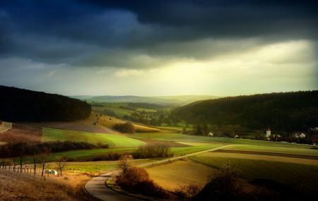 Фото небо, хмурое, поля, куски