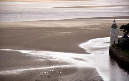Обои берег, здание, отлив, природа