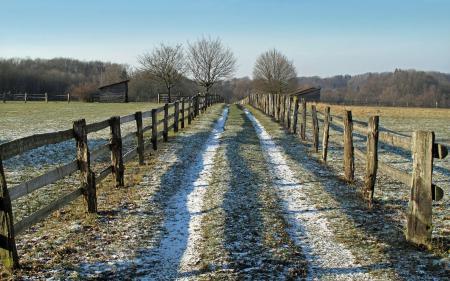 Фото дорога, забор, поле, пейзаж