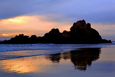 Фото море, небо, скалы, пляж