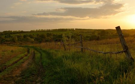 Заставки поле, дорога, забор, закат