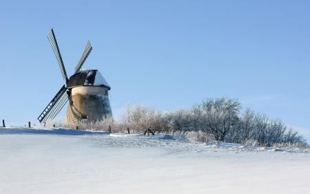 Картинки зима, поле, мельница, снег