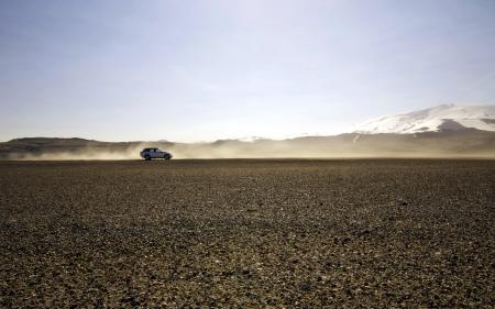 Заставки поле, горы, машина, пейзаж