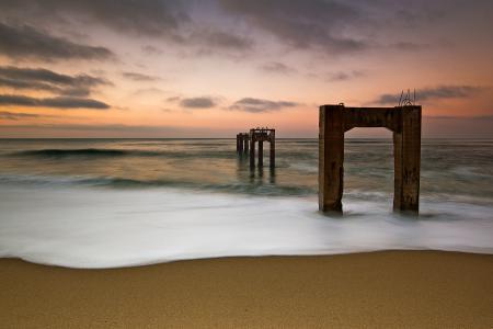 Фотографии небо, опоры, птицы, море