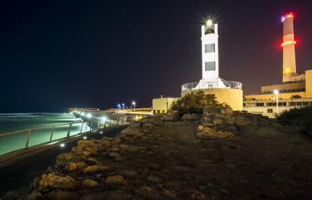 Заставки ночь, море, набережная, светильники