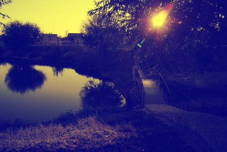 Заставки мост, закат, озеро, деревья
