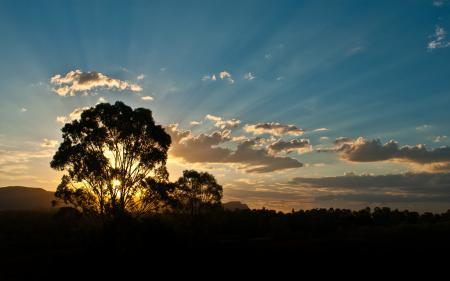 Обои закат, вечер, лучи солнца, лучи