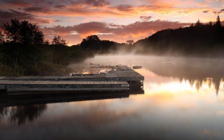 Фотографии река, туман, пристань, облака