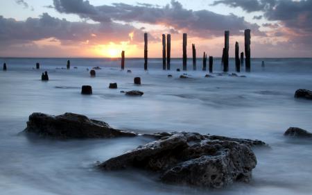 Фото море, камни, небо, пейзаж